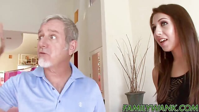 Ciuman Casey seperti omong kosong xxx film sex jepang BDSM.
